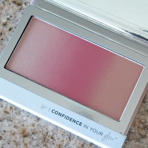 IT COSMETICS Confidence in Your Glow in Natural